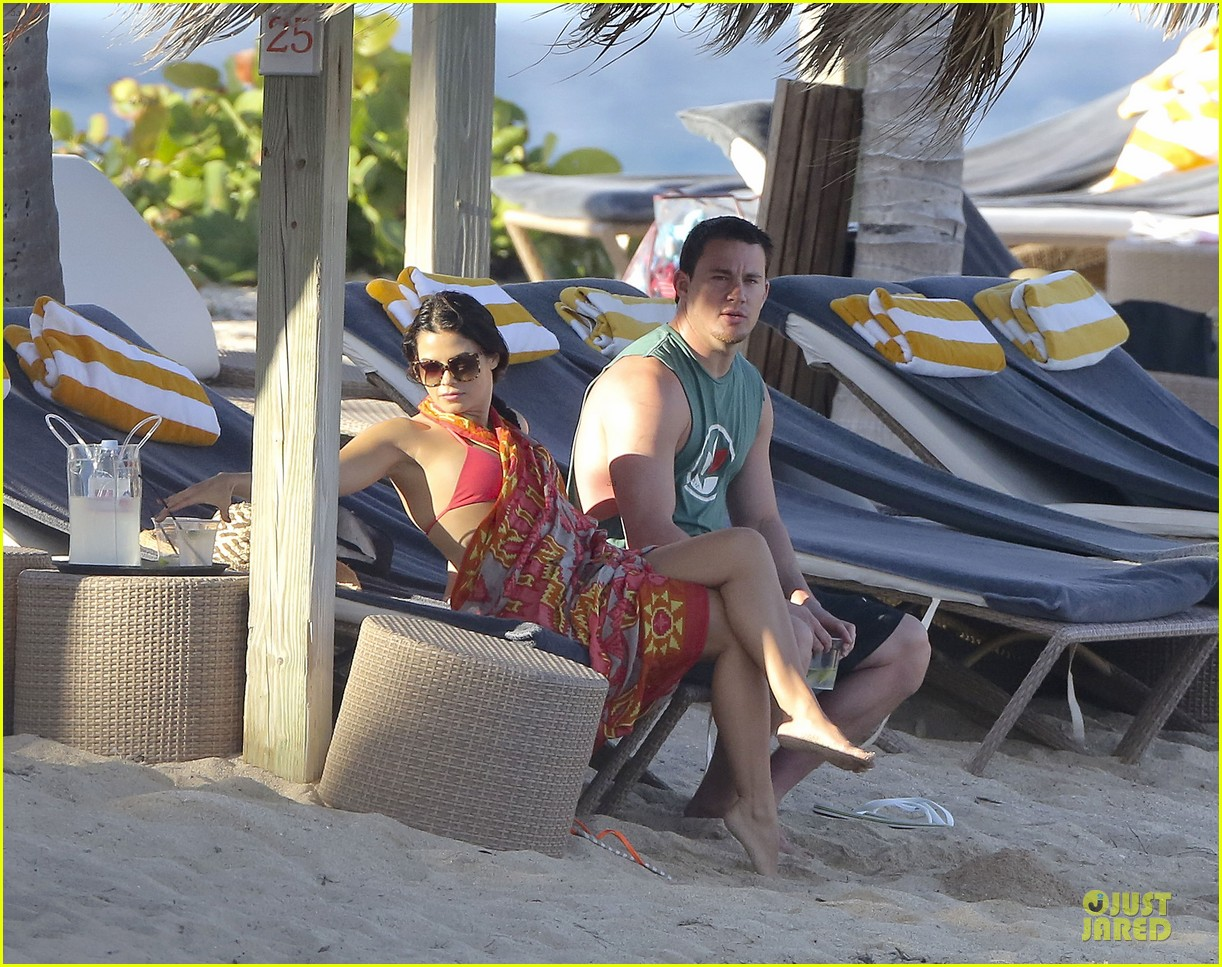 http://2.bp.blogspot.com/-EtCmXHxRznE/UOQvTt4UlvI/AAAAAAAAFWY/SUz4DhHY5uM/s1600/pregnant-jenna-dewan-&-channing-tatum-st-barts-kissing-pair-40.jpg