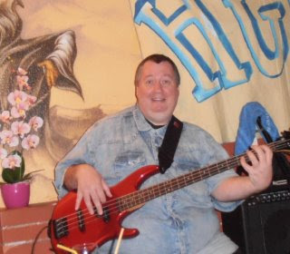 Lajos Tarsoly Bass guitar