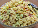 Hedelmäinen broileri-pastasalaatti