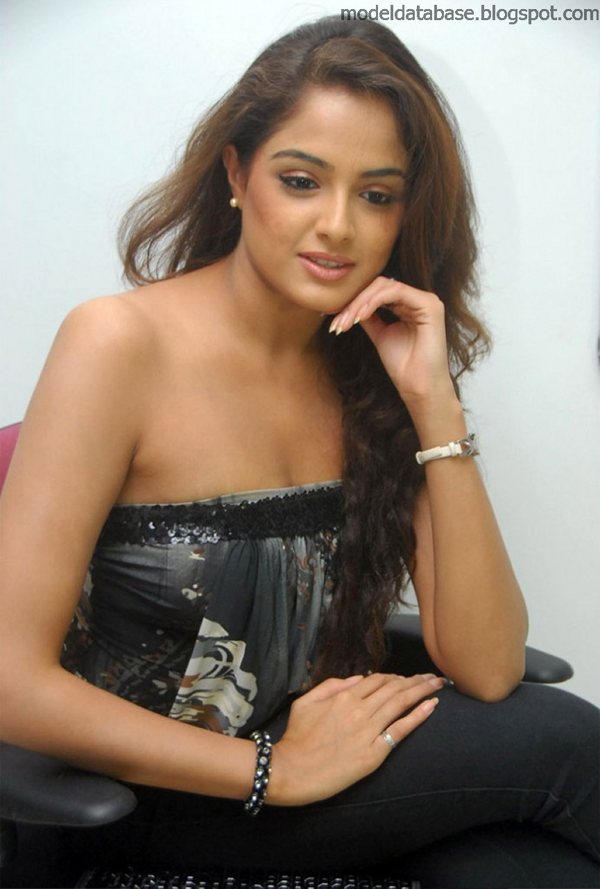 Asmita Sood 	2011 nudes (99 photo), Topless, Bikini, Boobs, lingerie 2015