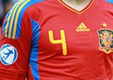 Dorsal número 4 de la alineación oficial de la Selección Española de Fútbol, la Roja en la Era Del Bosque