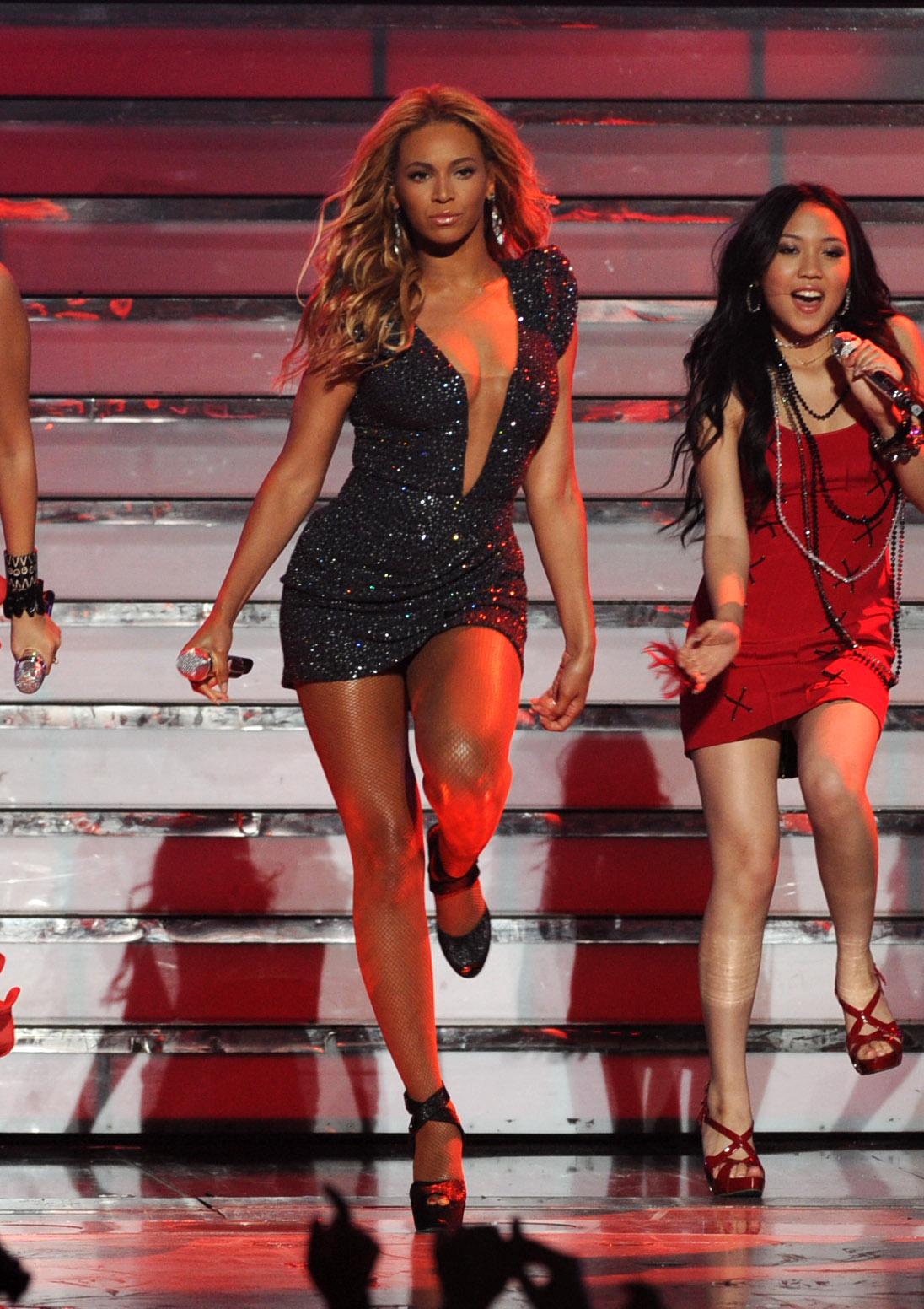 http://2.bp.blogspot.com/-Etrwlj6kpVE/TeGD7g8B6VI/AAAAAAAAAHk/z5s7Yn5wPOw/s1600/Beyonce-2.jpg