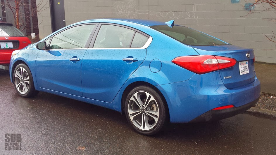 2014 Kia Forte EX review - rear photo