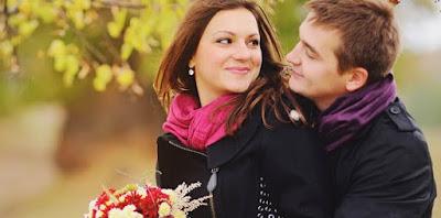 5 Tanda Dia Mencintaimu Namun Tak Berarni Ungkapkan Cinta