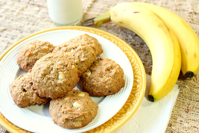 White Chocolate Banana Walnut Cookies