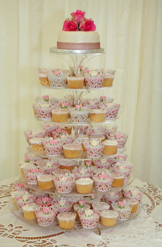 Vanilla Clouds and Lemon Drops: Rose Cupcakes for a Wedding