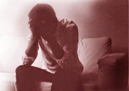 hình ảnh con trai buồn
