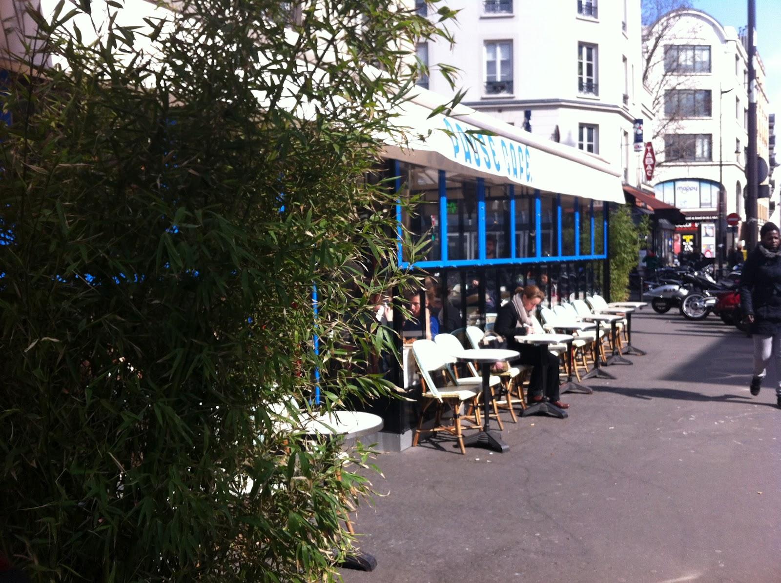 Le Caf Ef Bf Bd Quartier  Rue De Charonne  Paris