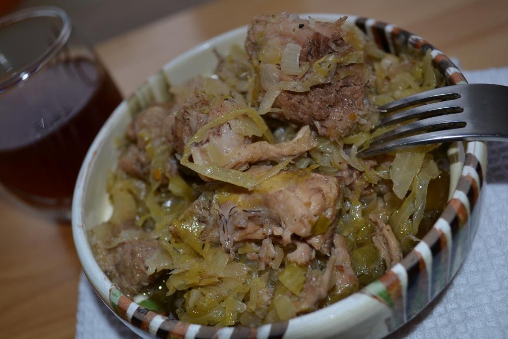 Pomana porcului – Varza acra cu carne de porc