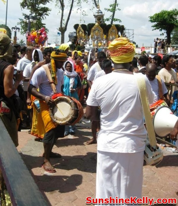 thaipusam in malaysia, lord murugan, batu caves, kavadi, hindu, devotees, thaipusam