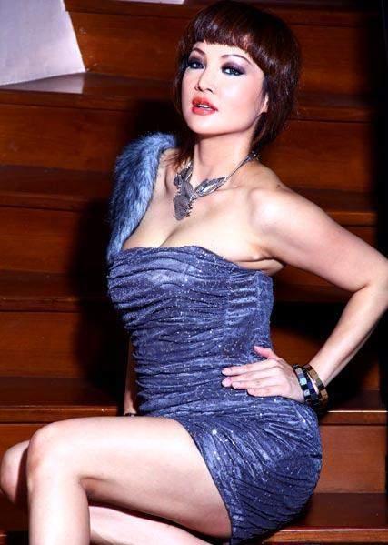 Foto Vivi Buntaran Model dan Artis Seksi Yang Woow..