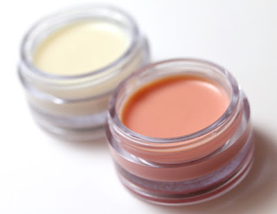 How to make an economic and natural lip balm?