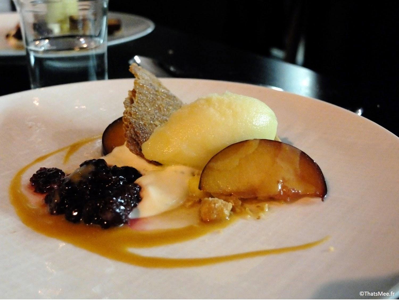 Dessert Pierre Sang in Oberkampf glace sorbet peche fruits, resto à Paris Pierre Sang Boyer