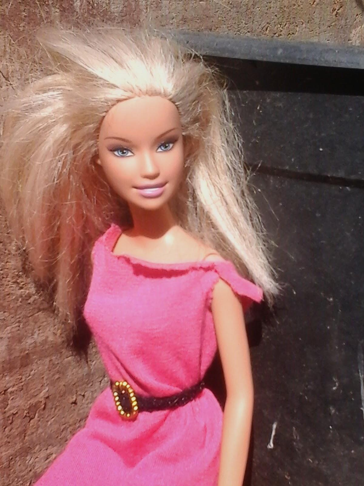 barbie loira