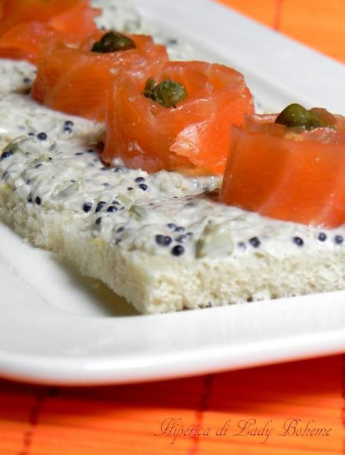 hiperica_lady_boheme_blog_cucina_ricette_gustose_facili_e_veloci_tartine_al_salmone_1
