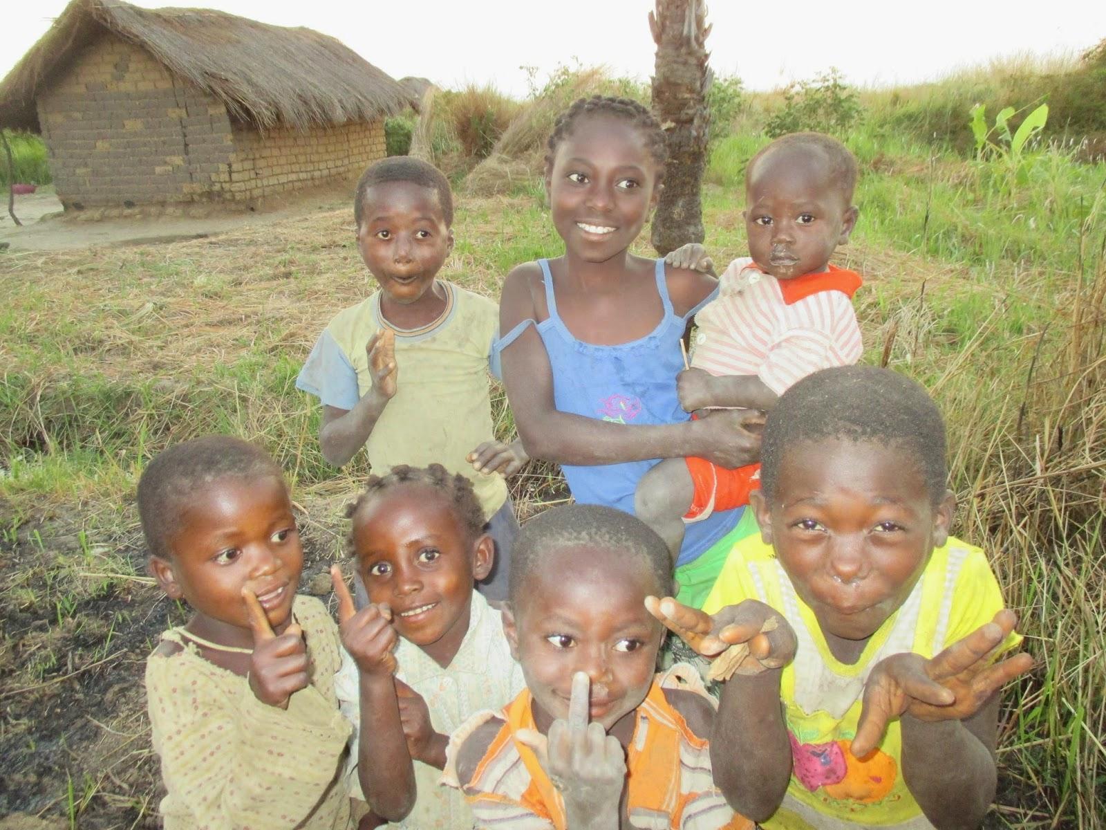 caras de niñas y niños negros sonrientes