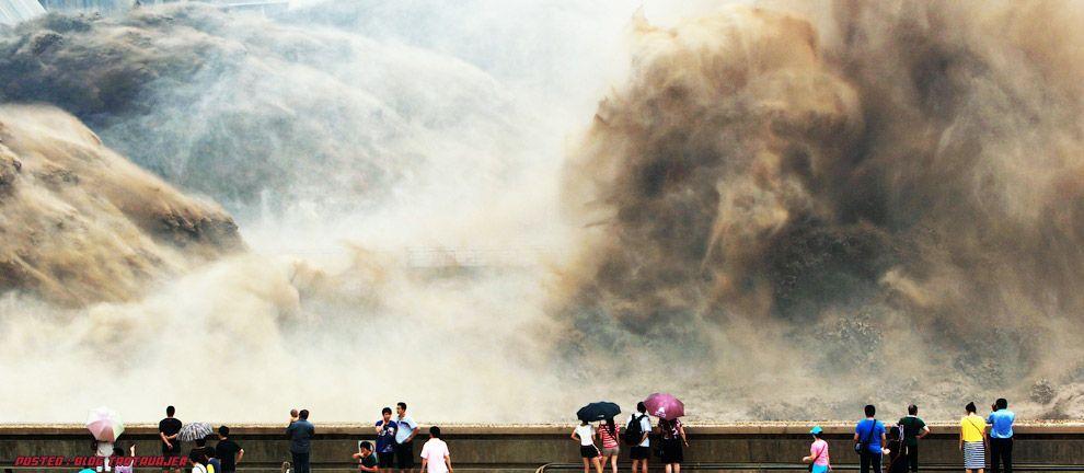 Dahsyat! - pembukaan empangan sungai kuning membebaskan 30 juta tan
