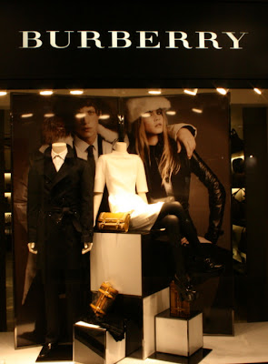 Burberry, Burberry  Bologna, Galleria Cavour