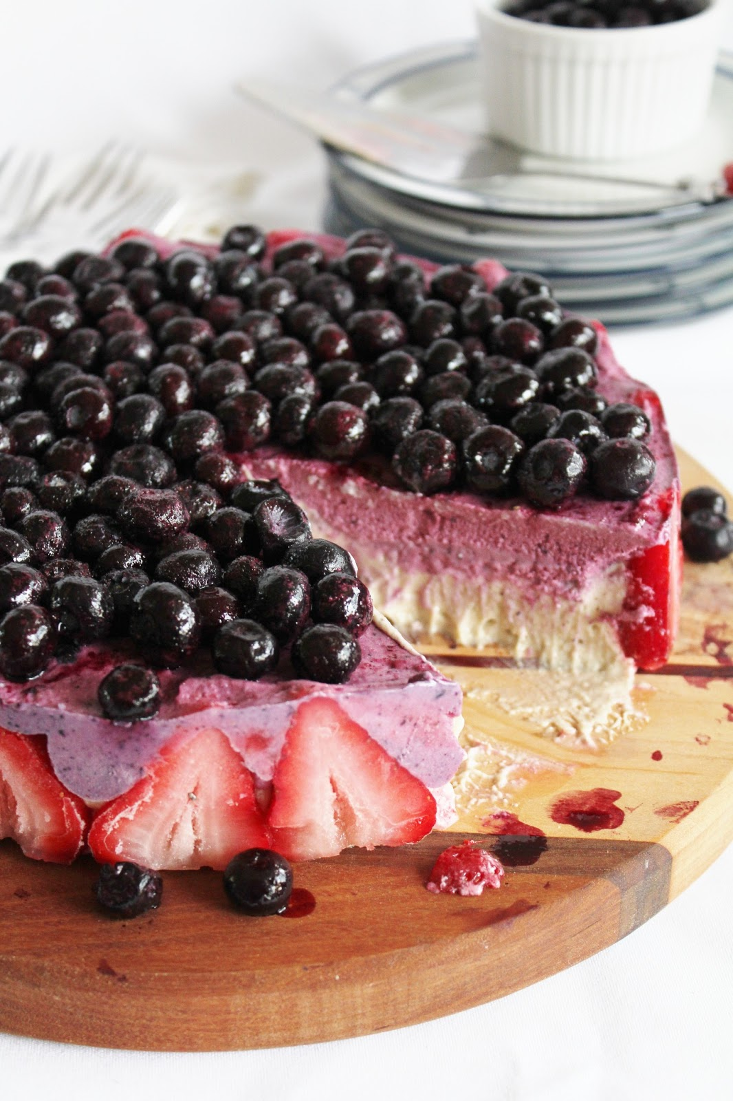 This Rawsome Vegan Life: blueberry strawberry banana ice cream cake