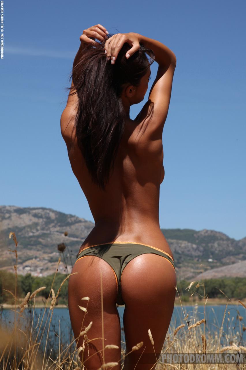 Фото красивых голых девок со спины 20 фотография