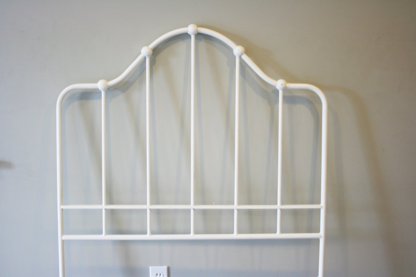 Ethan Allen White Iron Bed Frame