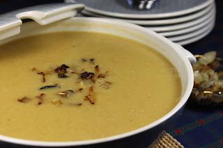 Lentil soup عدس Aatz