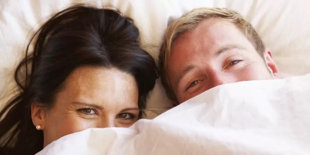 Cara Berhubungan Suami Istri dikala Hamil Muda