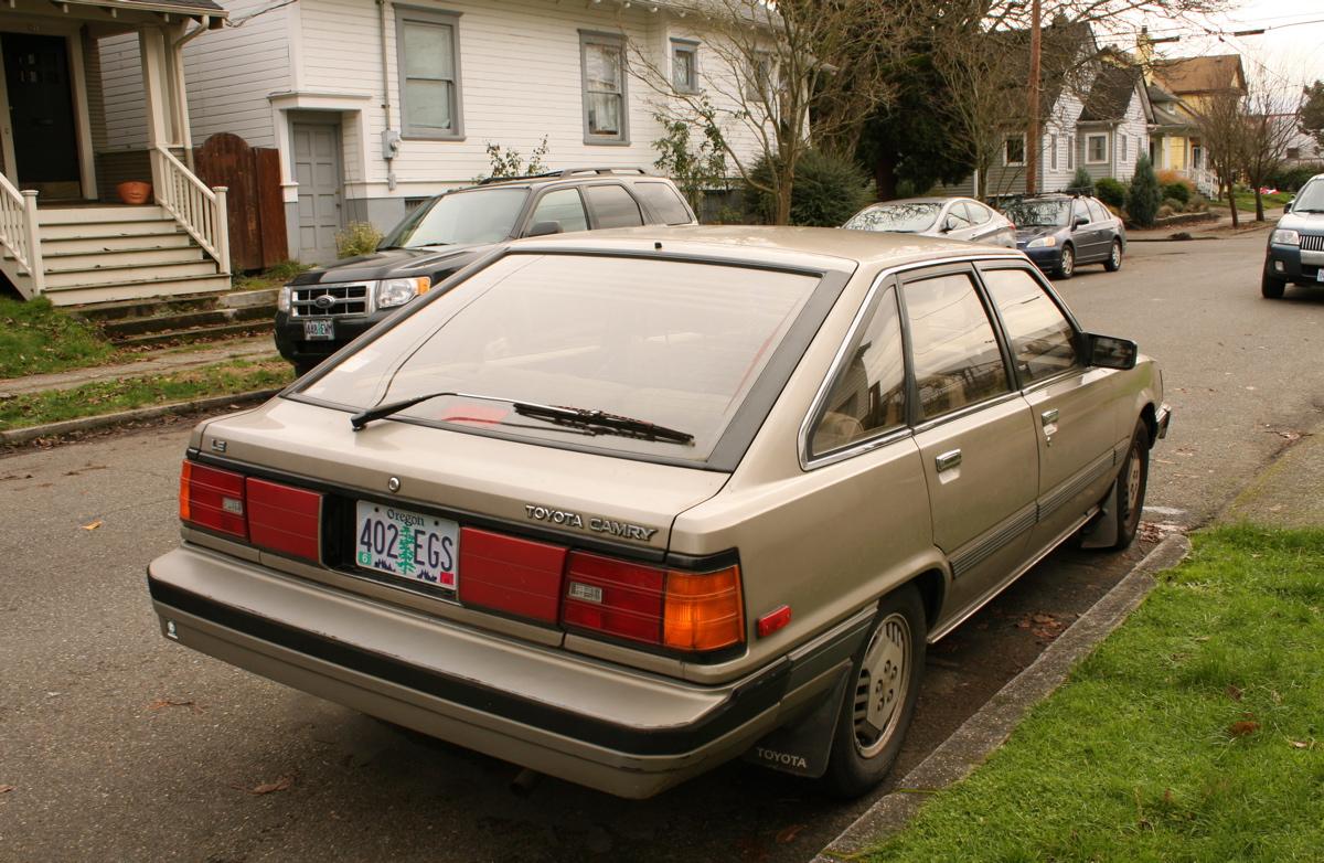 1984 toyota camry le 5 door liftback
