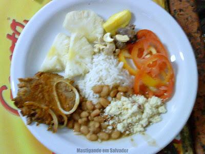 Rang Benn Restaurante: Prato com opções do buffet