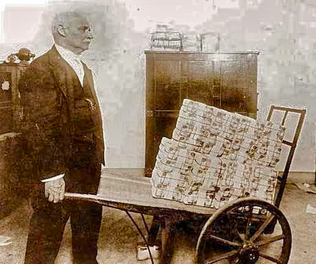 Player carrying go books to counter the Kyu-inflation, circa 200 B.C.