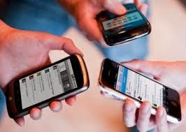 """Anatel diz que não bloqueará celulares """"piratas"""" em funcionamento."""