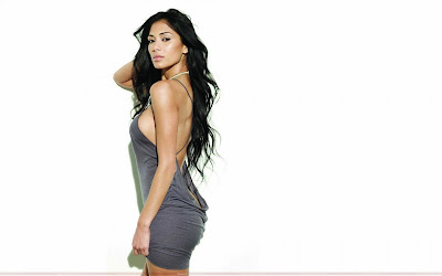 nicole_scherzinger_hot_wallpaper_in_beautiful_dress_sweetangelonly.com