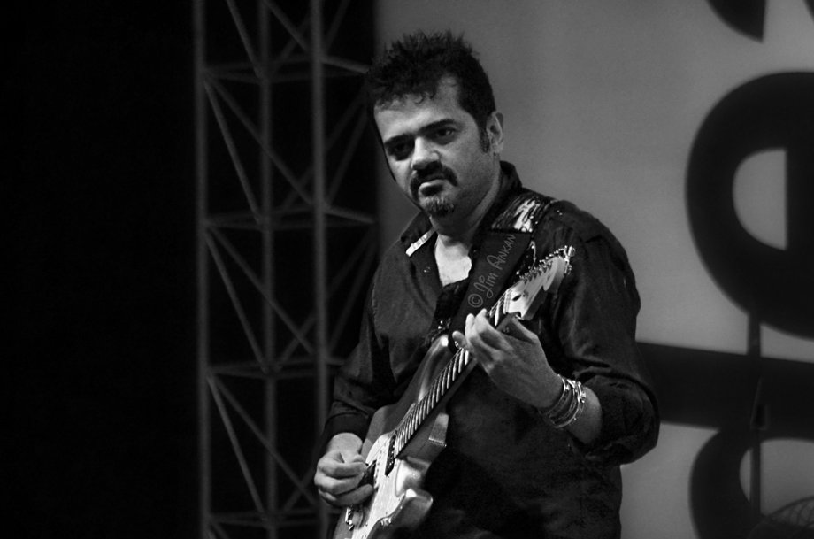 Ehsaan Noorani at Idea Rocks India, Bangalore (photo - Jim Ankan Deka)