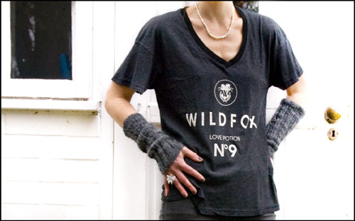 Psynopsis Wildfox T-Shirt Self-Knitted Wristbands
