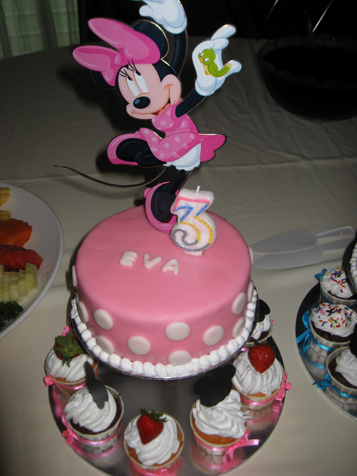 The Nocturnal Baker Eva and Solomons Birthday Mickey Minnie cake