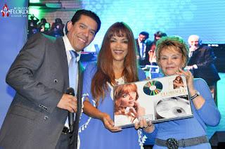 Flordelis recebe Disco de Platina no CIM
