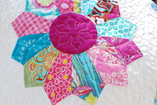 Hyacinth Quilt Designs Dresden Plate Quilt Finished