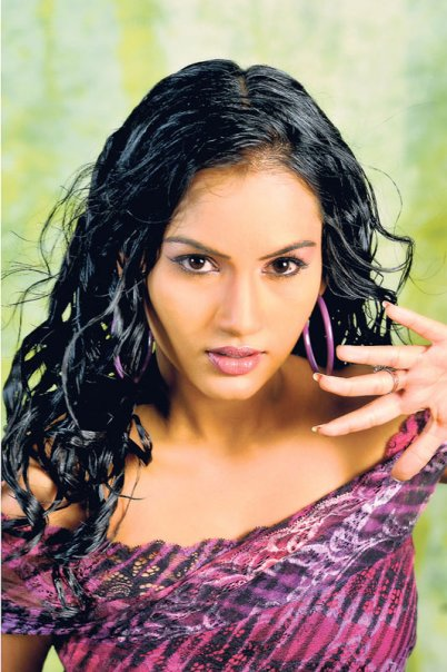 Slactress Chathurika Peiris Sey Tight Blue Jeans Fashions