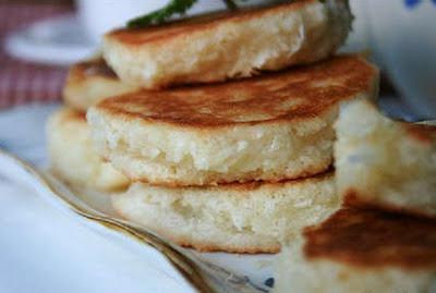 http://resepkue2014.blogspot.com/2015/08/resep-kue-khas-semarang-wingko-babat.html