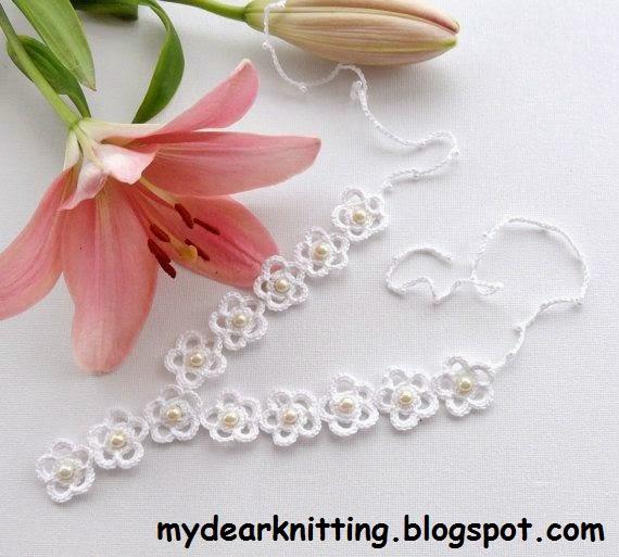 Браслет «Три цветка» с кристаллами
