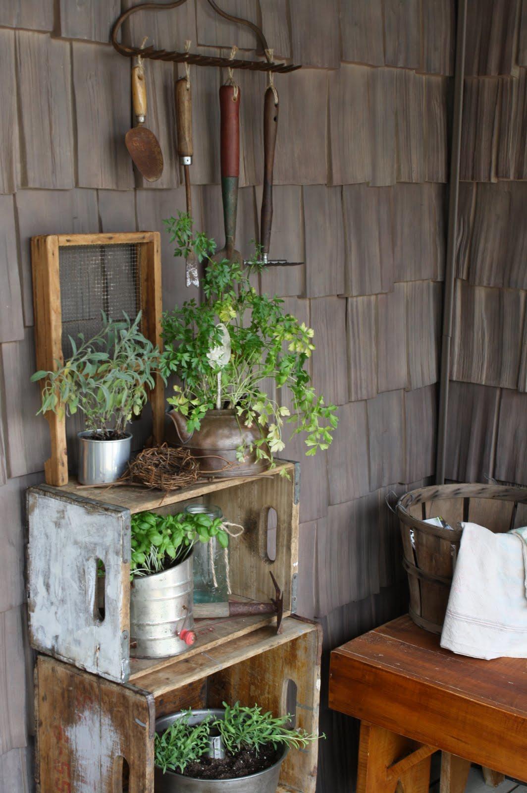 Umelecky Country Porch Gardening