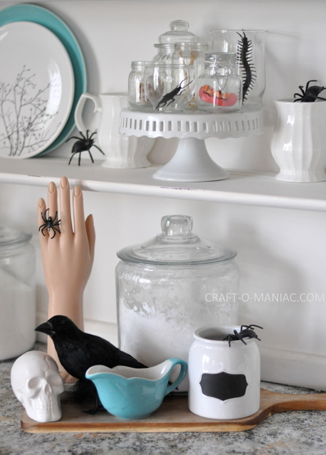 Halloween Hutch Decor