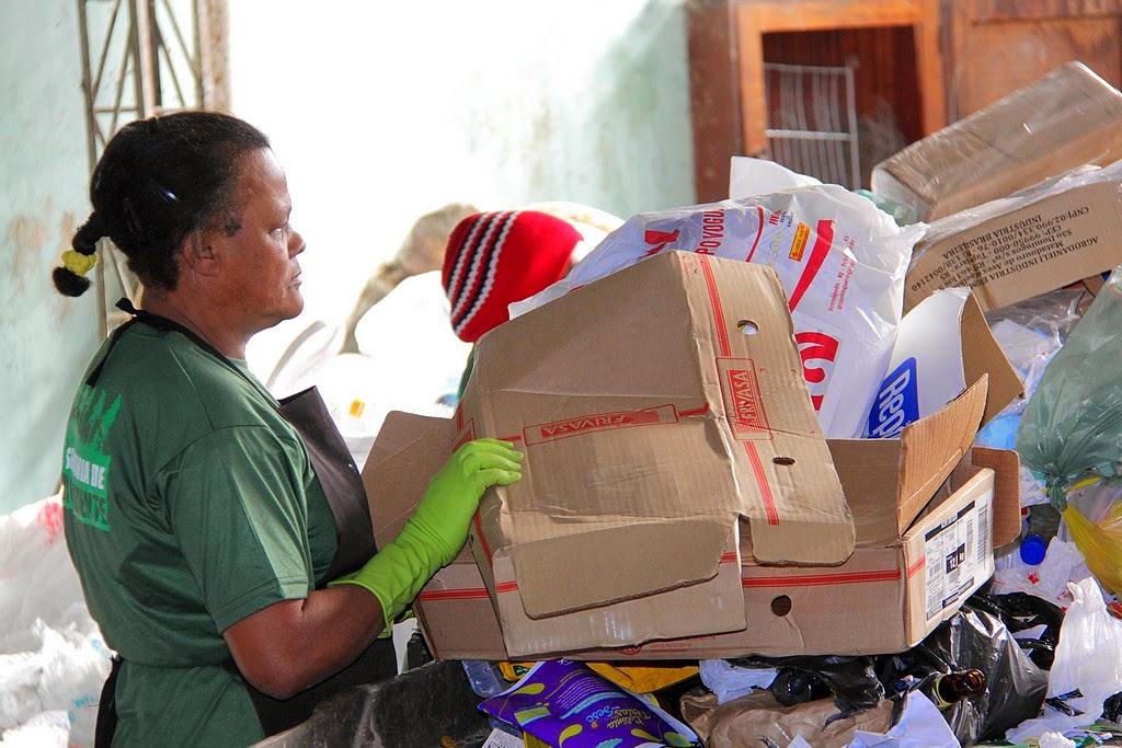 Coleta seletiva em Teresópolis recolhe cerca de 10 toneladas de material reciclável por mês