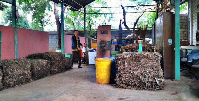 Bank Sampah dan Pengolahan Sampah Domestik