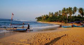 Pantai Teluk Legon Pari
