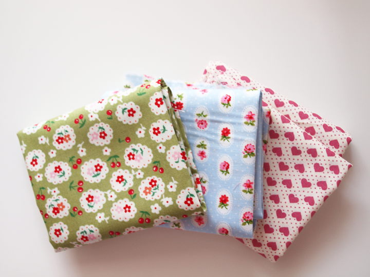 coupons de tissu jolis motifs dotty rose