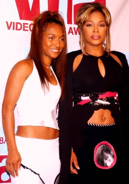 TLC First Appearance Without Left Eye At The 2002 MTV Redcarpet Video Music Awards