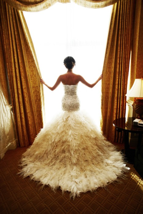 Feather Wedding Dress | Wedding of Brides - Hot Trends Wedding Dresses
