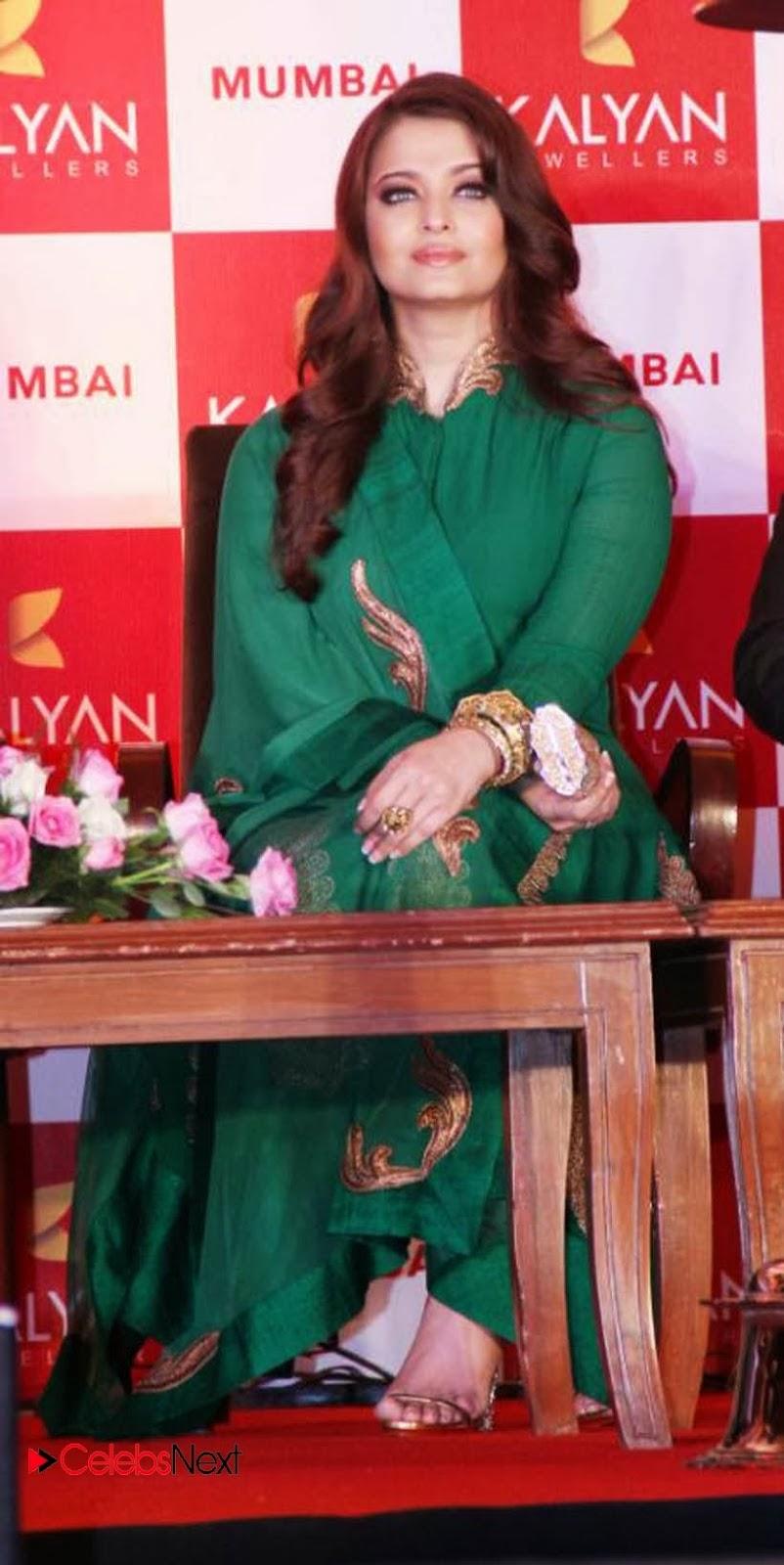 Fashion: Zarin Khan In Salwar Kameez Design