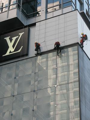 jasa perawatan gedung bertingkat dengan rope access akses tali